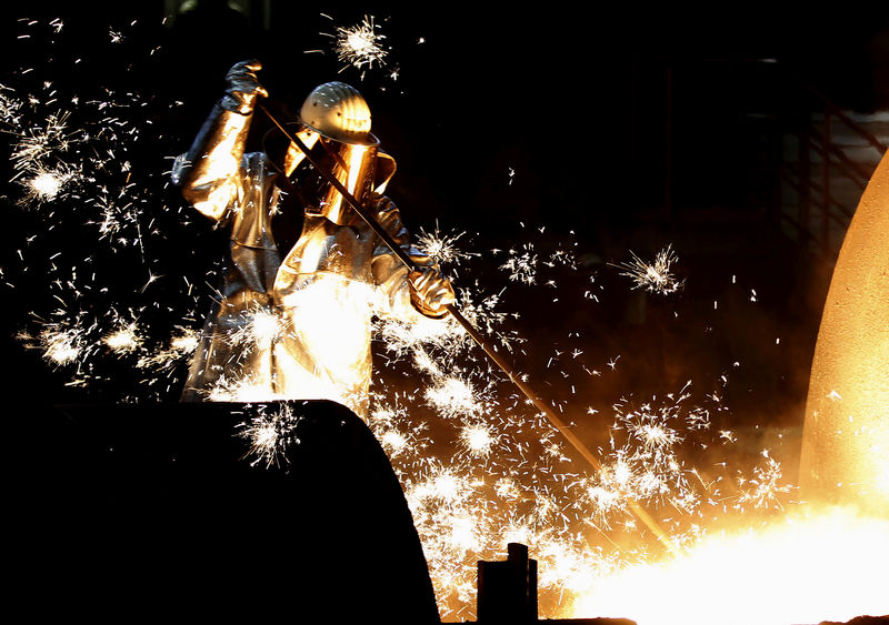 Atividade industrial da zona do euro permanece em contração em outubro, mostra PMI