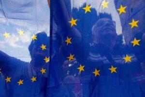 Comissão Europeia diz ser cedo demais para avaliar impacto do coronavírus na economia da UE