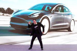 Elon Musk diz já entrou em contato com Apple sobre venda da Tesla